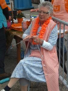Ria Strik als 'opperpot' bij de toiletten voor ALS